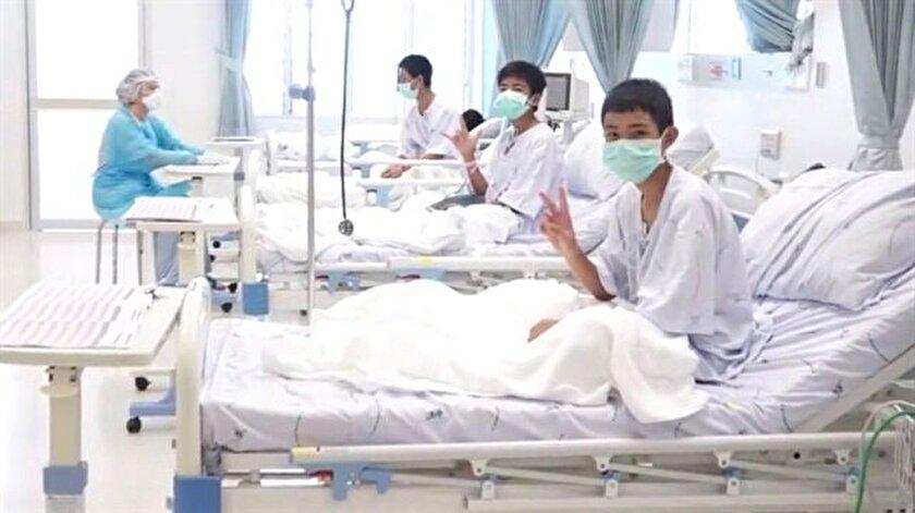 Taylandda mahsur kalan çocukların 2si vatansız