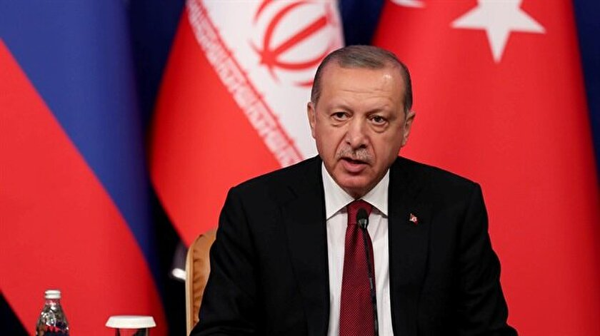 Başkan Erdoğan, Tahran Zirvesi dönüşünde uçakta önemli mesajlar verdi.