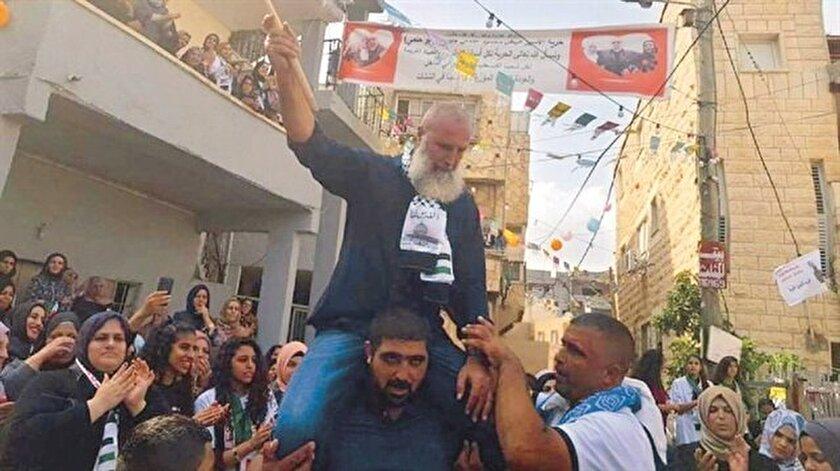 Cebbarin bir İsrail askerinin ölümüne iştirak etme suçlamasıyla 30 yıl hapis cezasına çarptırılmıştı.