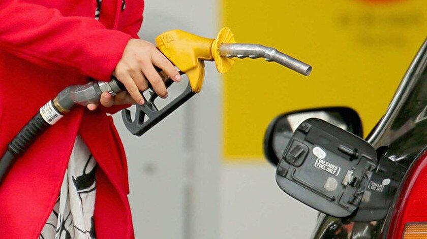 Benzin ne kadar oldu? Benzine 17 kuruş indirim geldi. Benzin indirimi  pompaya yansıyacak mı?