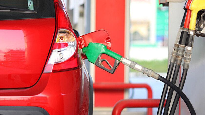 Benzin ve motorin indirimi pompaya yansıdı