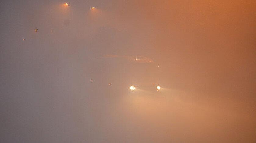 Ardahan'daki yoğun sis sürücülere zor anlar yaşatıyor