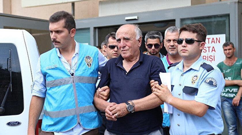Hakan Şükür'ün babası Selmet Şükür FETÖ operasyonunda polisler tarafından gözaltına alınmıştı.
