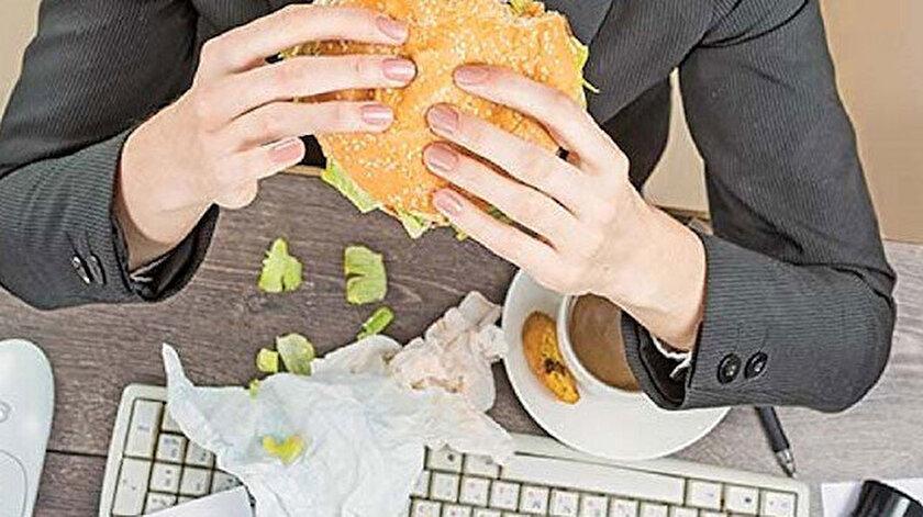 Hızlı kilo almamak için aç kalmamak gerekiyor.