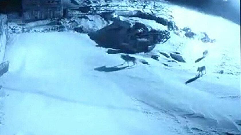 Saldırı anı kameralar tarafından görüntülendi.