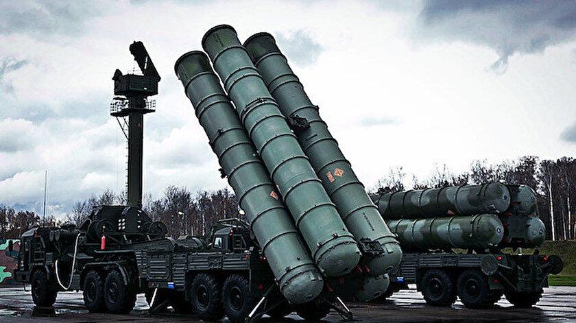 Rusya tarafından üretilen S-400 füzelerinin bataryaları.