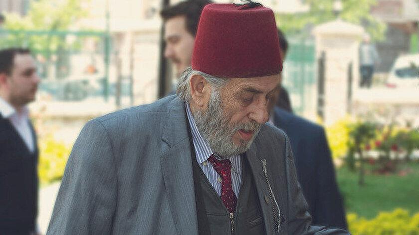 Türkiye'nin önemli tarihçilerinden Kadir Mısıroğlu, Acıbadem Altunizade Hastanesinde tedavi görüyordu