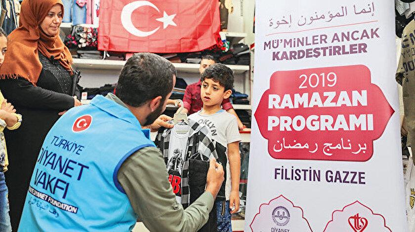 Türkiye Diyanet Vakfı binlerce yetim çocuğa bayramlık dağıtacak.