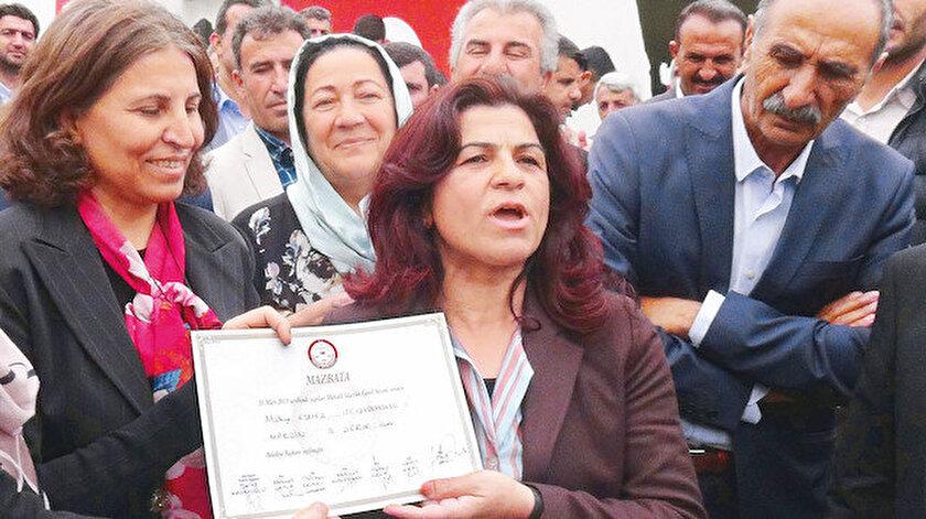HDP'li Mülkiye Esmez göreve başladıktan sonra ilk iş olarak kayyum döneminde işe başlayan çalışanları işten çıkardı.