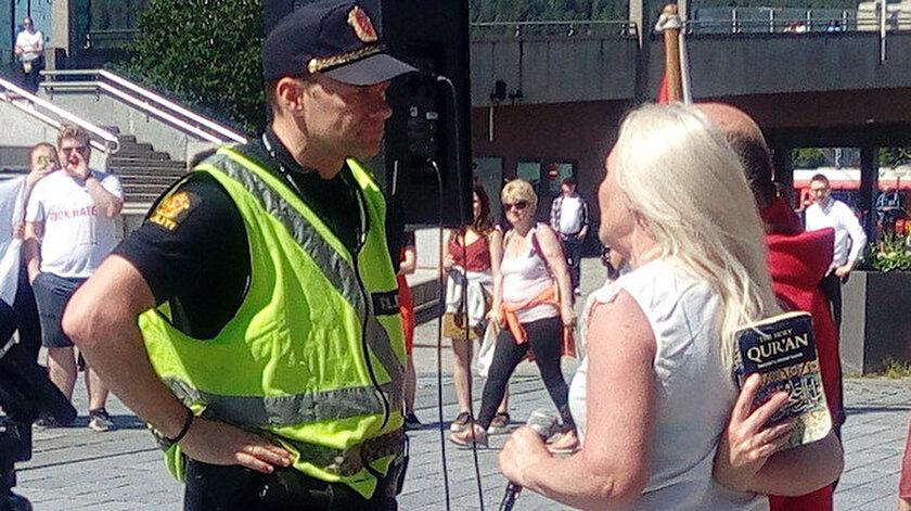 Norveçte İslam karşıtı gösteride Kuran-ı Kerim provakasyonu