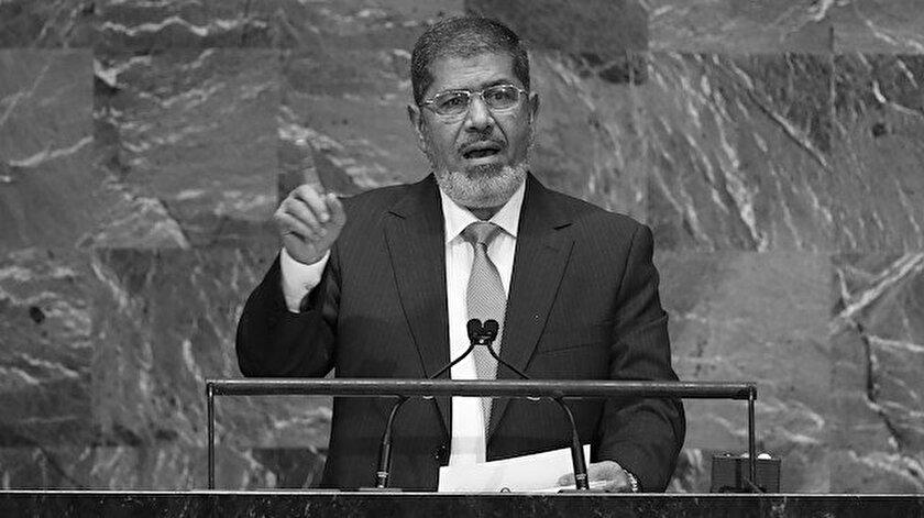 Mısır'ın demokratik yöntemlerle seçilmiş ilk Cumhurbaşkanı Muhammed Mursi.
