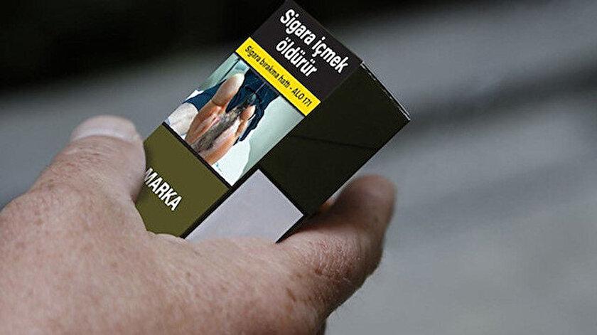 Sigarada tek tip paket uygulamasında pakette sadece marka ismi yer alıyor logo bulunmuyor.