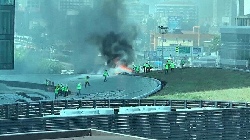 İtfaiye ekipleri, olay yerine gelerek yangına müdahale etti.