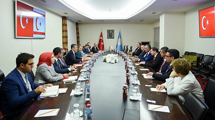 Milli Eğitim Bakanı Ziya Selçuk,  (KKTC) Milli Eğitim ve Kültür Bakanı Nazım Çavuşoğlu  ile bir araya geldi.