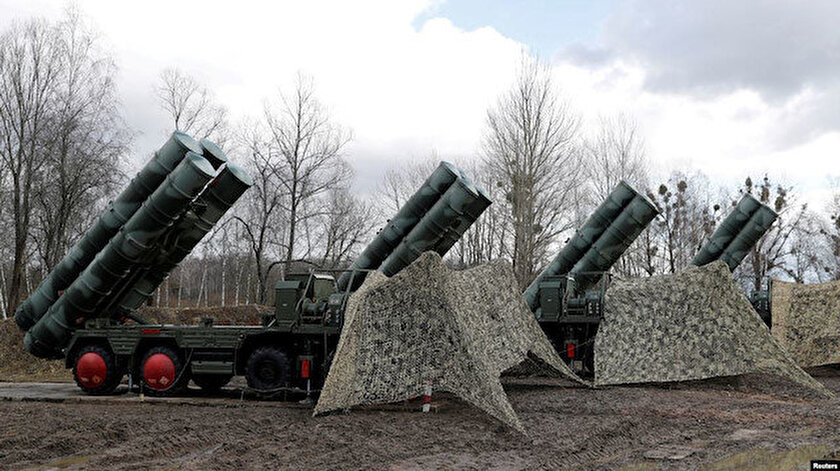 S-400 hava savunma sistemleri.