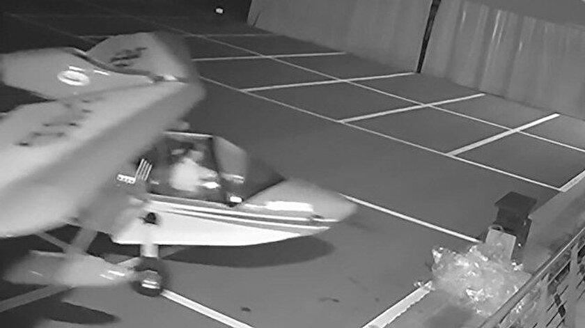 13 yaşındaki çocuğun uçak çalma girişimi kameralara takıldı.