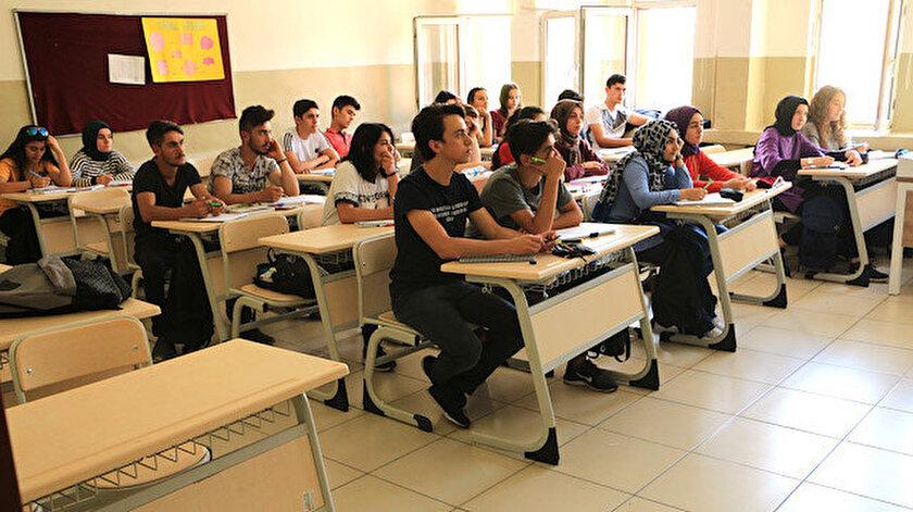 Tercih yapan öğrencilerin yüzde 99'u istedikleri bir liseye yerleştirildi.