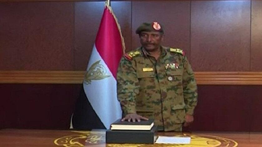 Mısır'daki Sisi yönetimi, ülkede yönetime el koyan Askeri Geçiş Konseyi'ni destekliyor.