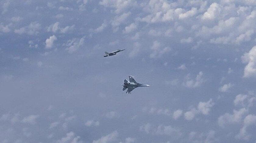 NATO savaş uçağı.