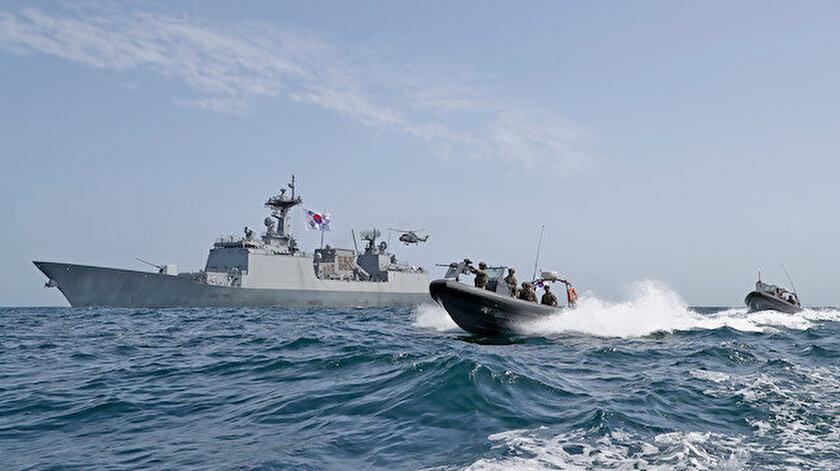 Güney Kore sava gemileri, Hürmüz Boğazı'nda.