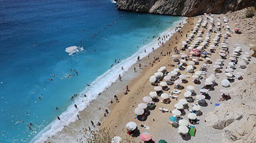 Kaputaş Plajı 3 günde 25 bin ziyaretçi ağırladı.