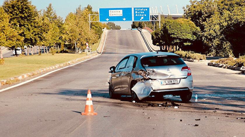 Trafik kazasına karışan bir araç.