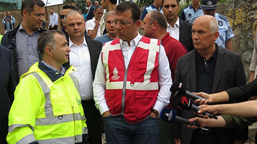 Ekrem İmamoğlu selin vurduğu Üsküdar'da incelemelerde bulundu.
