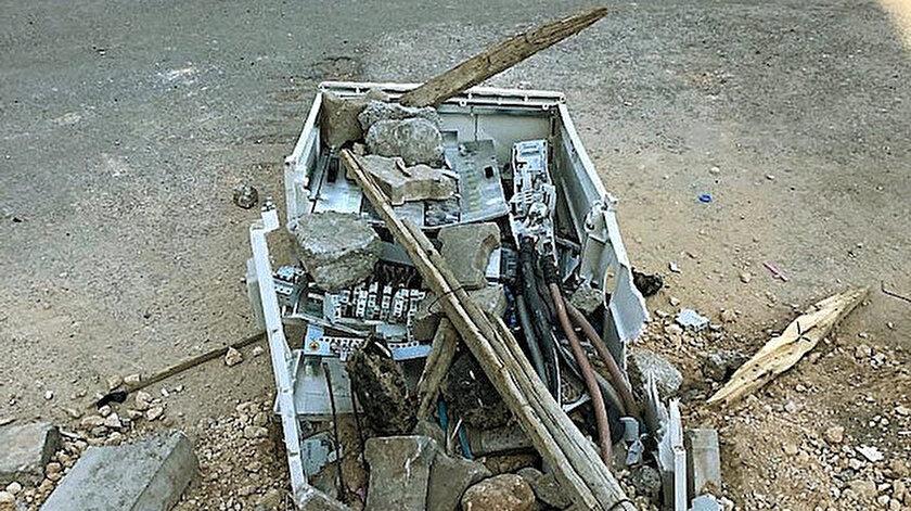 Silopi'de kaçak elektriği önlemek amacıyla kurulan panolar tahrip edildi.