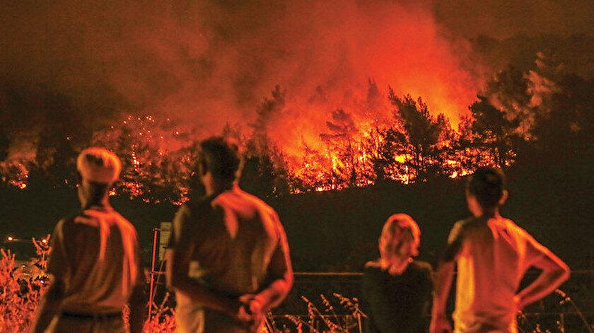 Yüzler hektar alan insanların gözü önünde kül oldu.