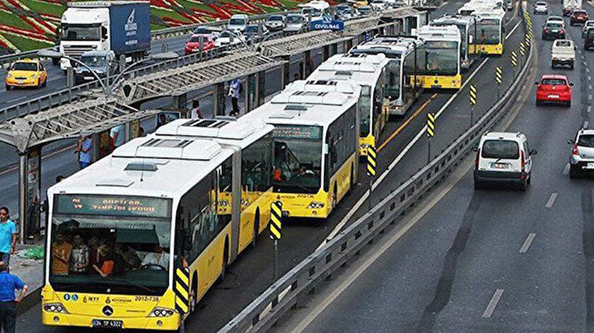 Her gün on binlerce İstanbullu metrobüs kullanıyor.