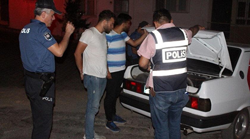 Balıkesir'in Edremit ilçesinde polis tarafından huzur operasyonu düzenlendi.