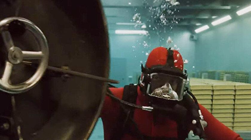 Dizinin yayınlanan son sezonundaki soygun sahnesi büyük beğeni topladı.