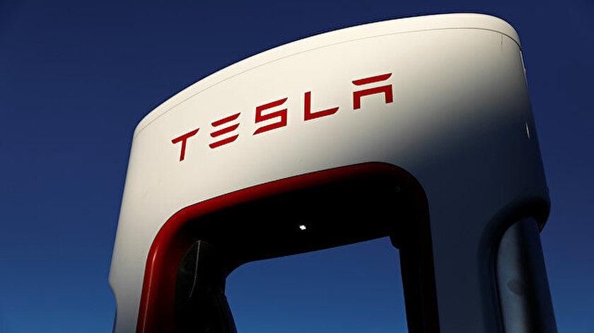 Tesla hisseleri yüzde 3.72 yükseldi.