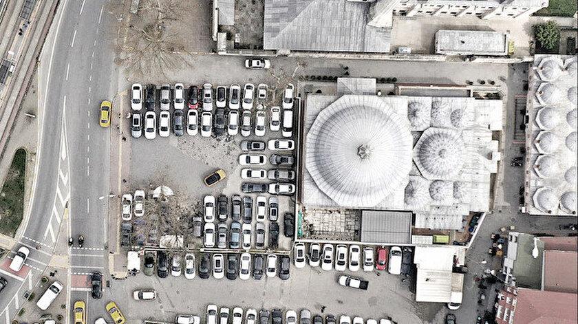 İstanbul'un en büyük sorunlarının başında kuşkusuz otopark sıkıntısı geliyor.