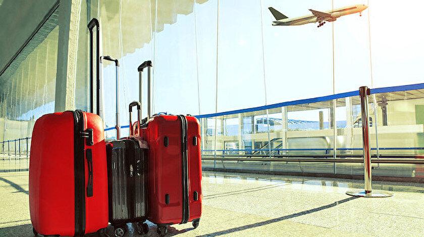 Filipinler'de Amerikalı kadın yolcunun el bagajından bebek çıktı.