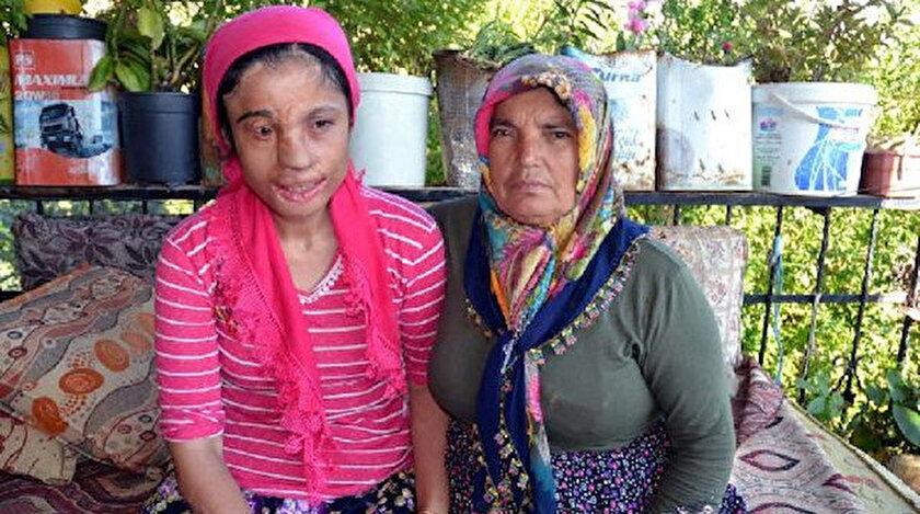 Hürü Cengiz ve annesi Meliha Cengiz.