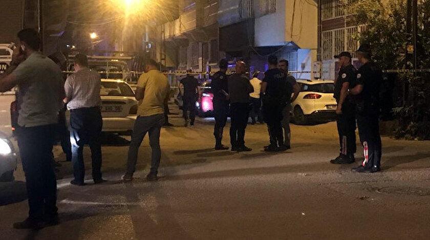 Polis ekipleri mahallede önlem aldı, olay yerinde inceleme yaptı.
