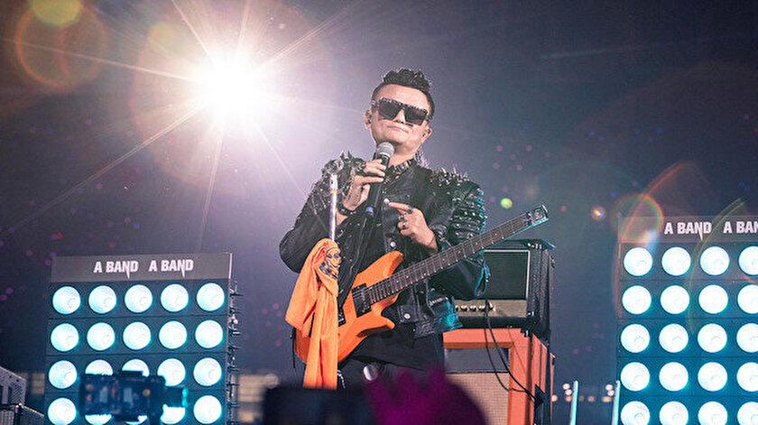 Çin'in en zengini Jack Ma kurucusu olduğu Alibaba'dan rock konseriyle emekli oldu.