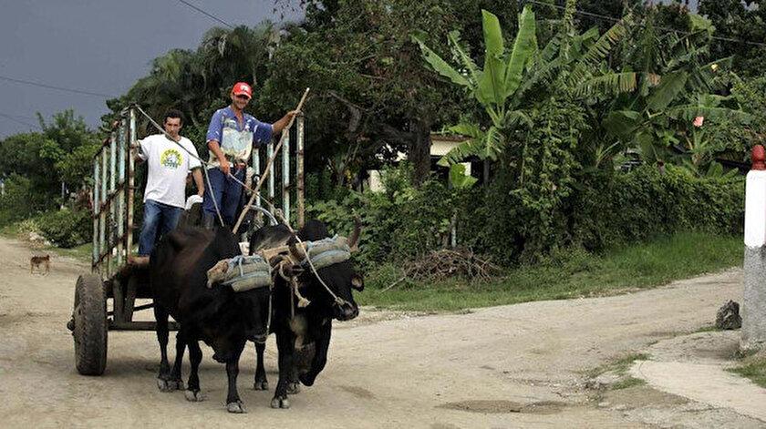 Küba Devlet Başkanı'ndan yakıt yetersizliği uyarısı.