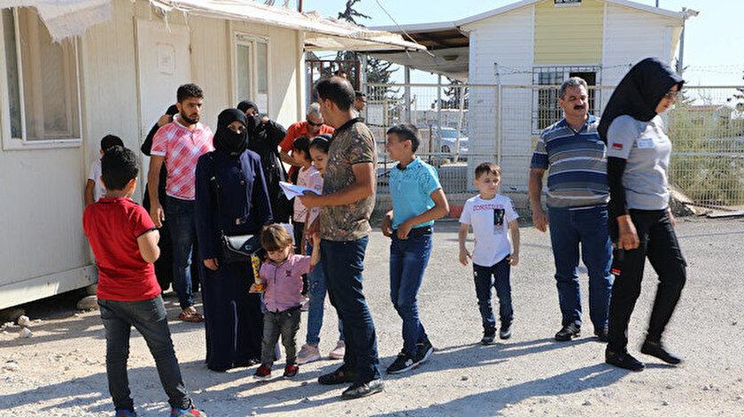 Suriyeliler terör örgütlerinden temizlenen bölgelere geri dönüyor.