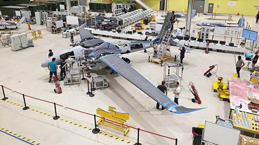 Operasyonel irtifası 40 bin fit olan Akıncı, 24 saat havada kalacak ve bin 350 kilogram faydalı yük taşıyabilecek.