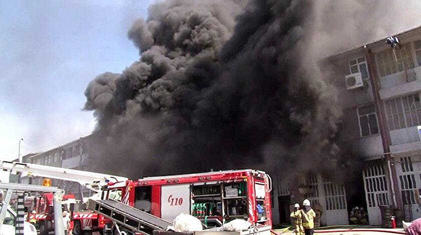 İkiltelli'de fabrika yangını.