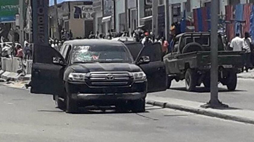 Bombalı saldırı sonucu Maarif Vakfı'na ait araçta, çevredeki otomobil ve iş yerlerinde hasar oluştu.