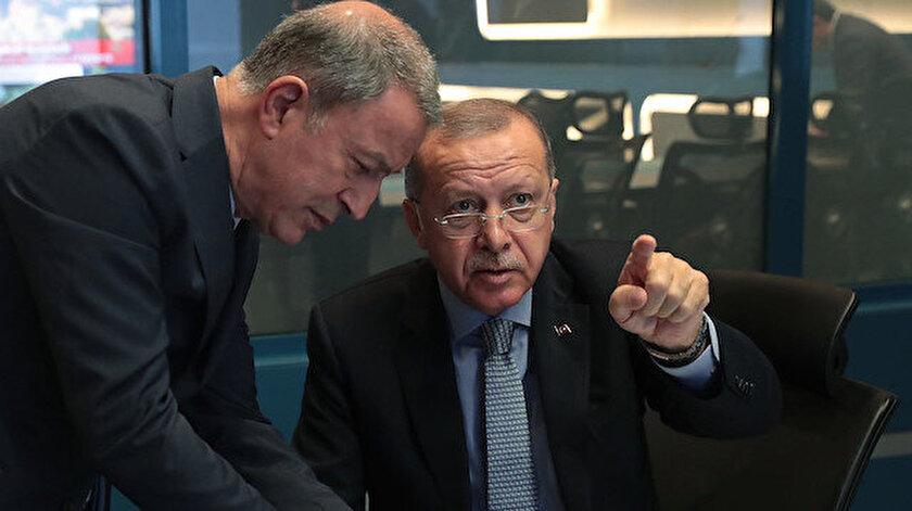 Cumhurbaşkanı Erdoğan, harekat merkezinden gelişmeleri takip ediyor.