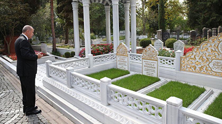 Cumhurbaşkanı Erdoğan anne ve babasının mezarlarını ziyaret etti.