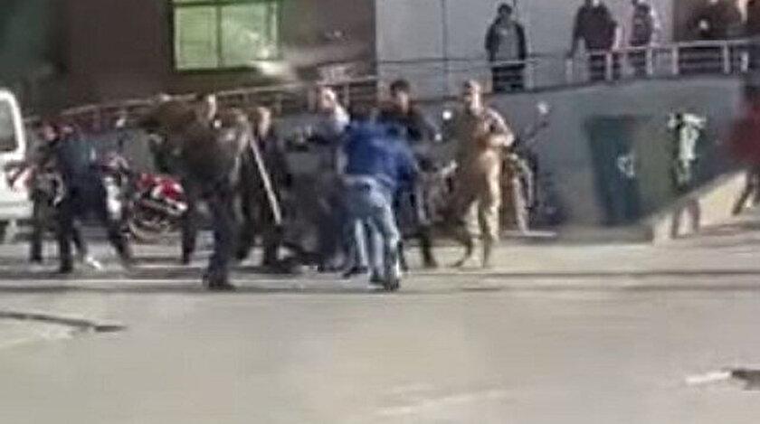 Sopa ve biber gazının kullanıldığı kavgada 11 kişi yaralandı.