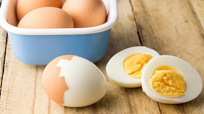 Yarışmacı 42'inci yumurtayı yerden hayatını kaybetti.
