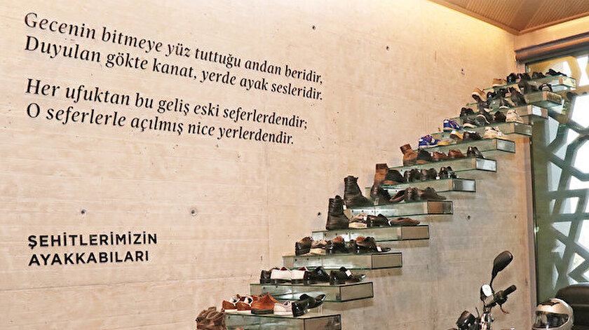 Bugüne kadar Türkiye'nin 44 ili ziyaret edilerek alınan 154 şehidin ayakkabısı, müzede bir araya getirildi.