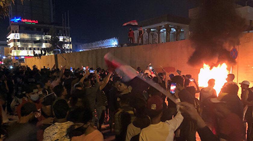 Irak'taki gösterilerde şiddet olayları artıyor.