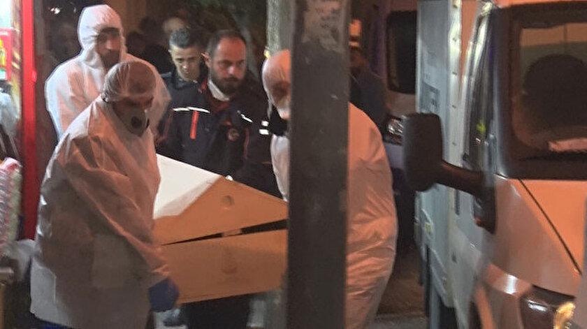 Kardeşlere ait cenazeler evden çıkarıldı.